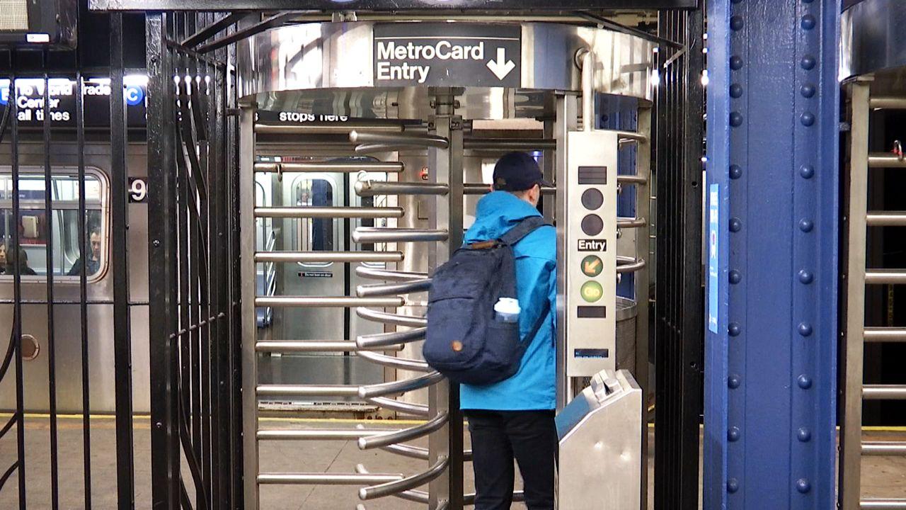 Consultant Recommends Massive MTA Job Cuts