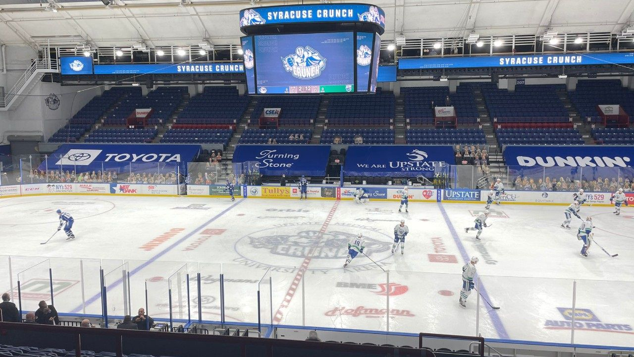 Crunch clip Comets in home finale