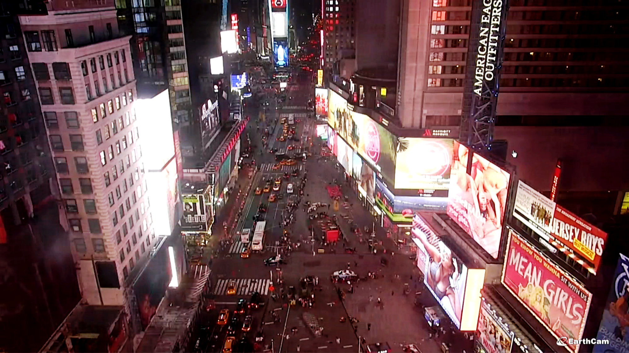 Times Square Crowd Panics After Mistaking Noise as Gunshots