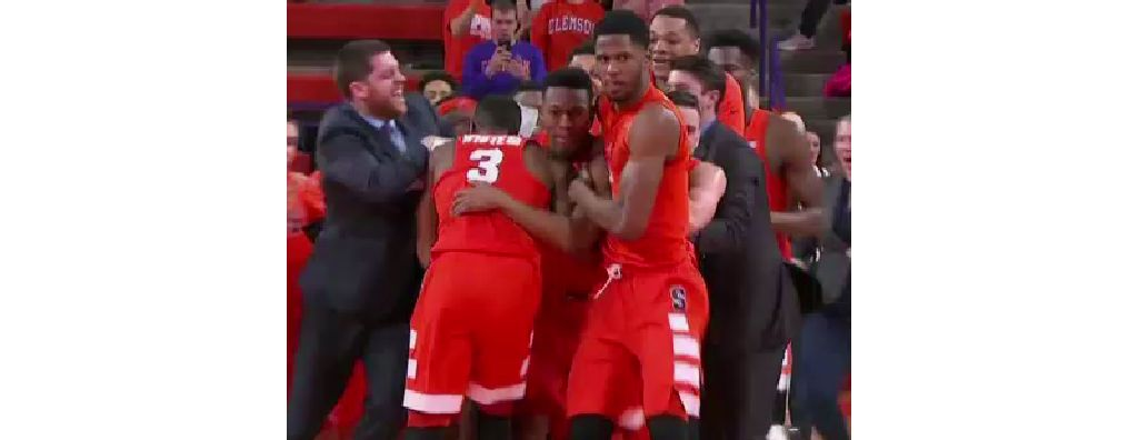 Buzzer Beating Win For Orange Has Syracuse Students Thinking March