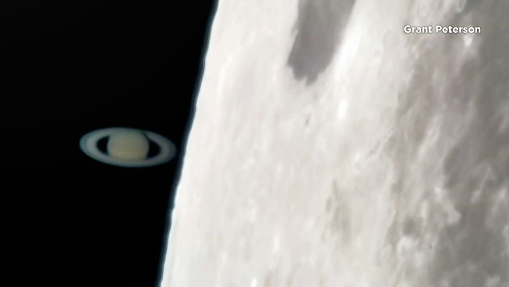Saturn Emerges From Behind Moon in Occultation