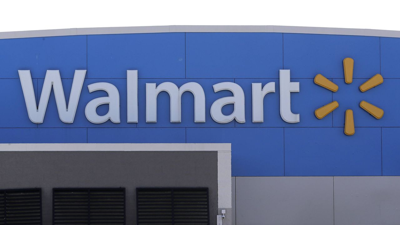 Walmart Returns Guns, Ammunition to Store Shelves