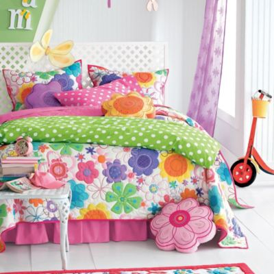 Colorful Flowers Bedding For A Sunny Bedroom
