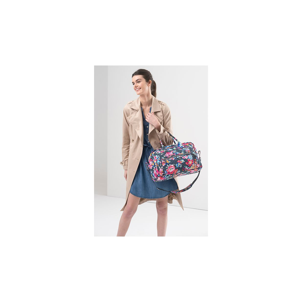 d8502dca4 ... Image of Iconic Compact Weekender Travel Bag ...