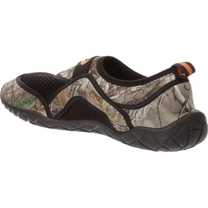 81dbb9b60376 O Rageous Men s Realtree Aqua Socks Water Shoes