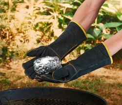 Outdoor Gourmet Adults' Heat-Resistant Gloves