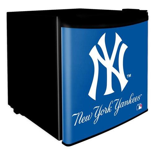 Boelter Brands New York Yankees 1.7 cu. ft. Dorm Room Refrigerator