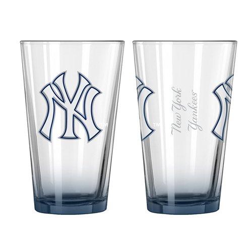 Boelter Brands New York Yankees Elite 16 oz. Pint Glasses 2-Pack
