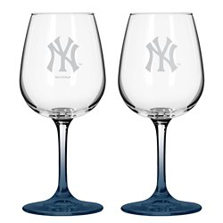 Boelter Brands New York Yankees 12 oz. Wine Glasses 2-Pack