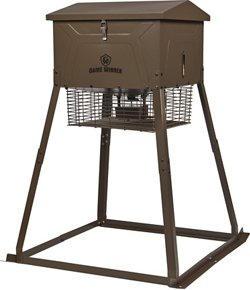Game Winner® 325 lb. Cube VP Feeder