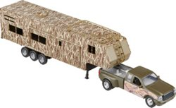 New-Ray Toys Wildlife Hunter Pickup Truck and Camper Set