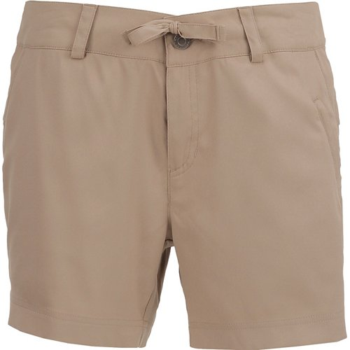Magellan Outdoors Women's Falcon Lake 5 in Shorty Short
