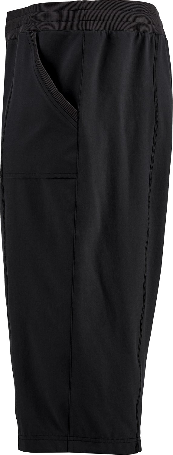 BCG Women's Stretch Woven Plus Size Capri Pants - view number 4