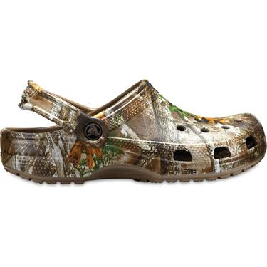 d8902df47b5 ... Crocs Men's Classic Realtree Edge Clogs. Men's Sandals & Flip Flops.  Hover/Click to enlarge