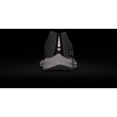 7778e9a8e52 Nike Men s Air Zoom Winflo 5 Run Shield Running Shoes