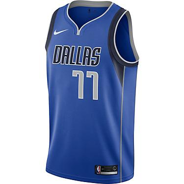size 40 8f4e7 d11c4 Nike Men's Dallas Mavericks Luka Doncic 77 Icon Edition Swingman Jersey