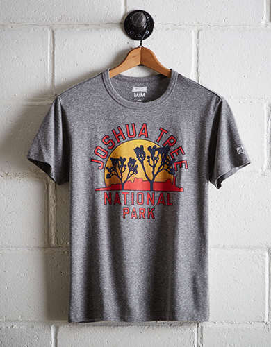 Tailgate Men's Joshua Tree National Park T-Shirt - Free Returns