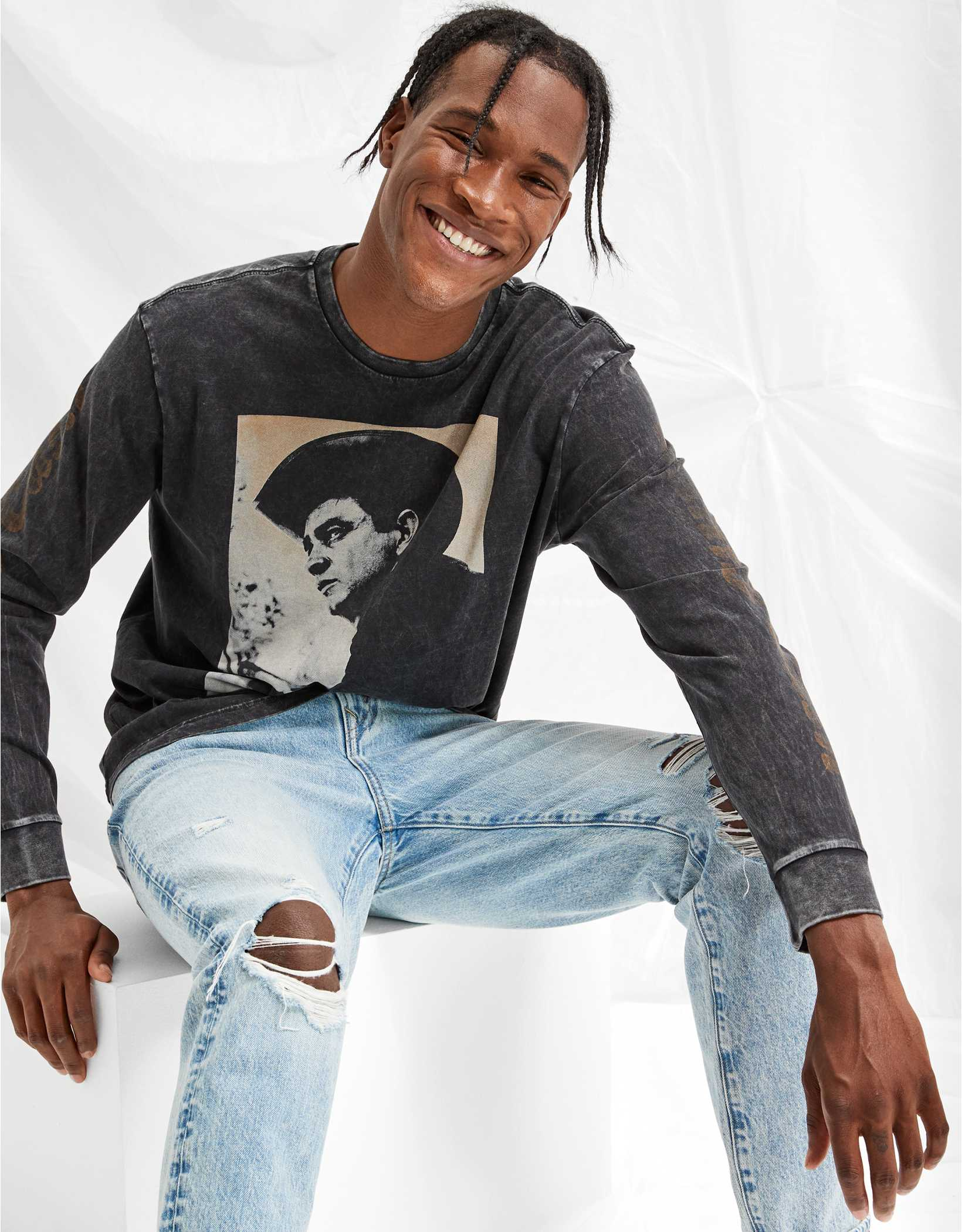 Tailgate Men's Johnny Cash Long-Sleeve Graphic Tee