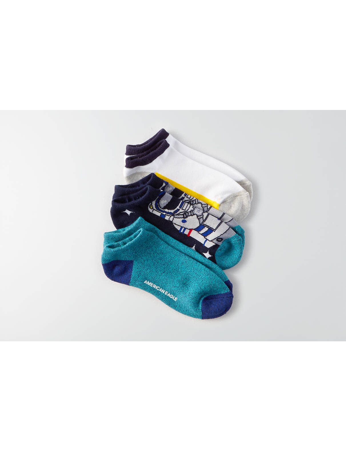 Display product reviews for AE Low Cut Astronaut Socks 3-Pack