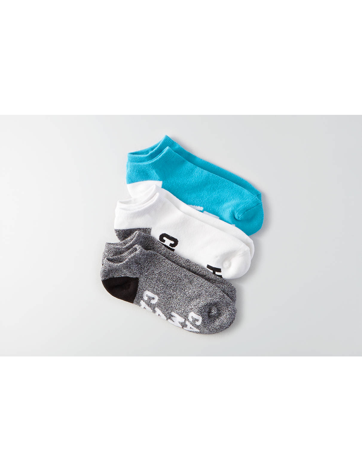 Display product reviews for AE Low Cut Wordy Socks 3-Pack