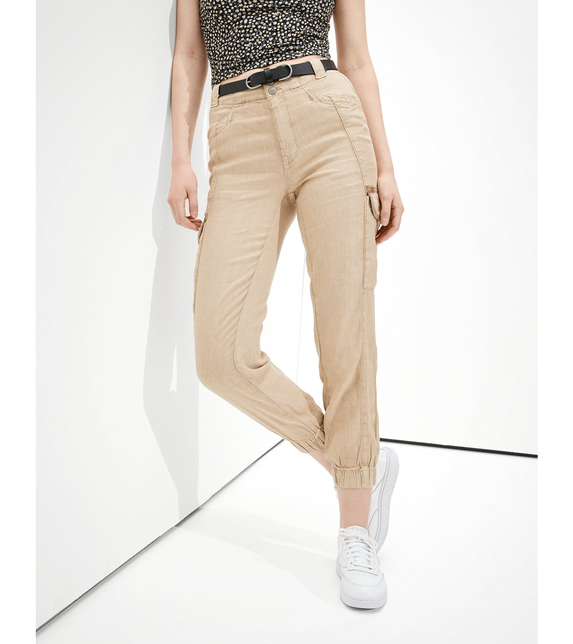 American Eagle AE Linen Relaxed Mom Jogger Pant