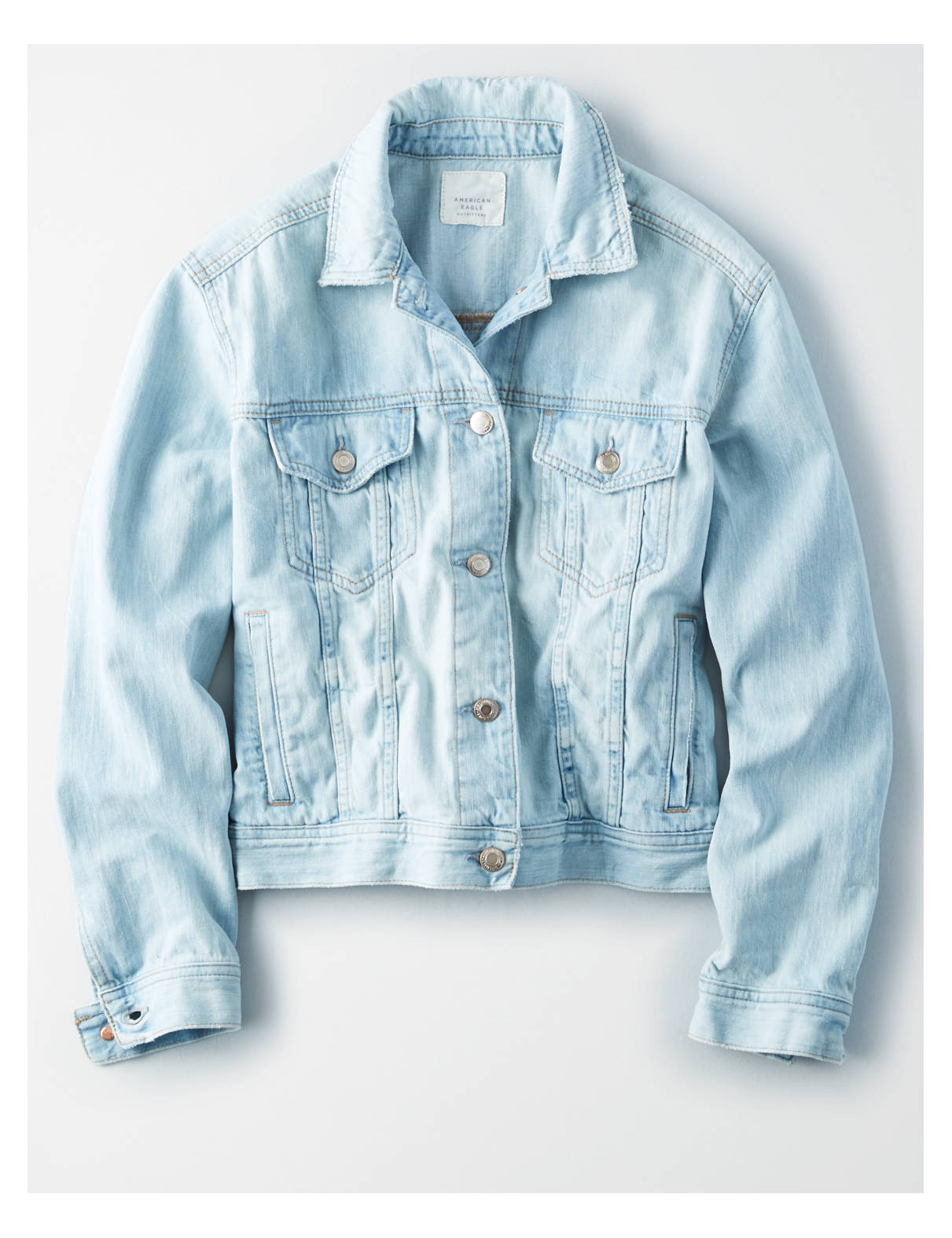 Display product reviews for AE CLASSIC LIGHT WASH DENIM JACKET