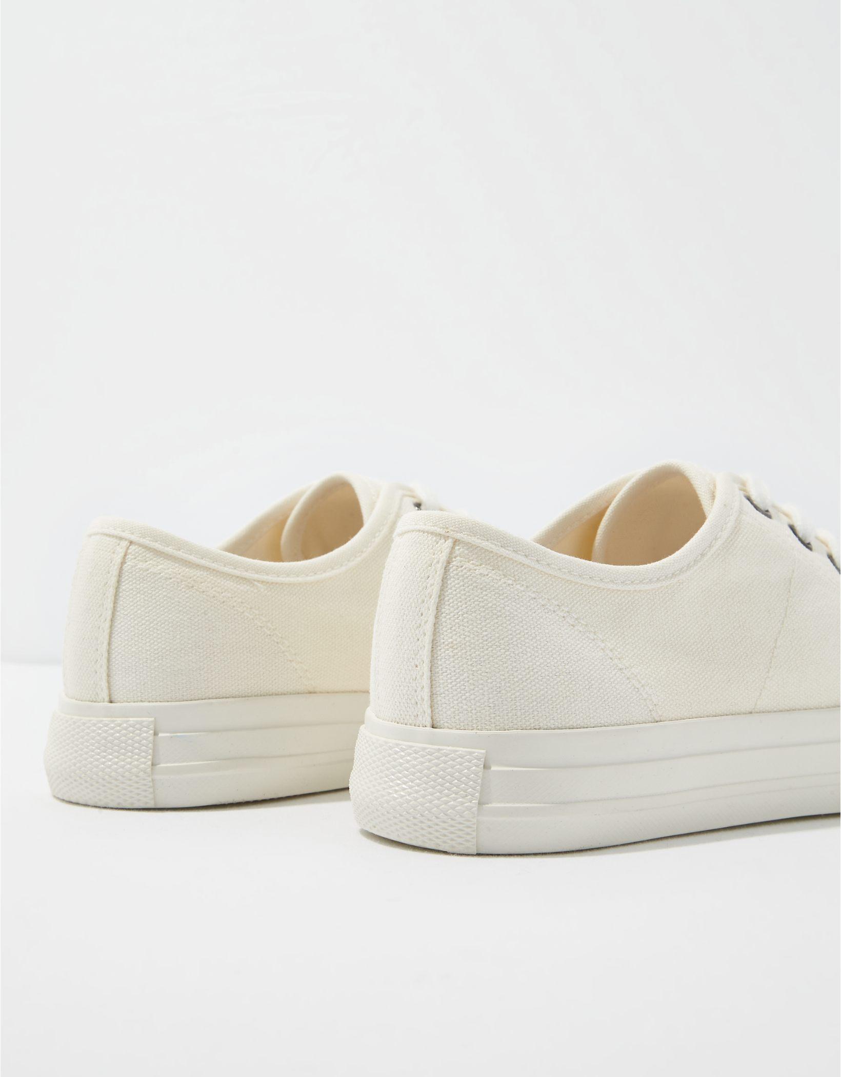 AE Canvas Sneaker