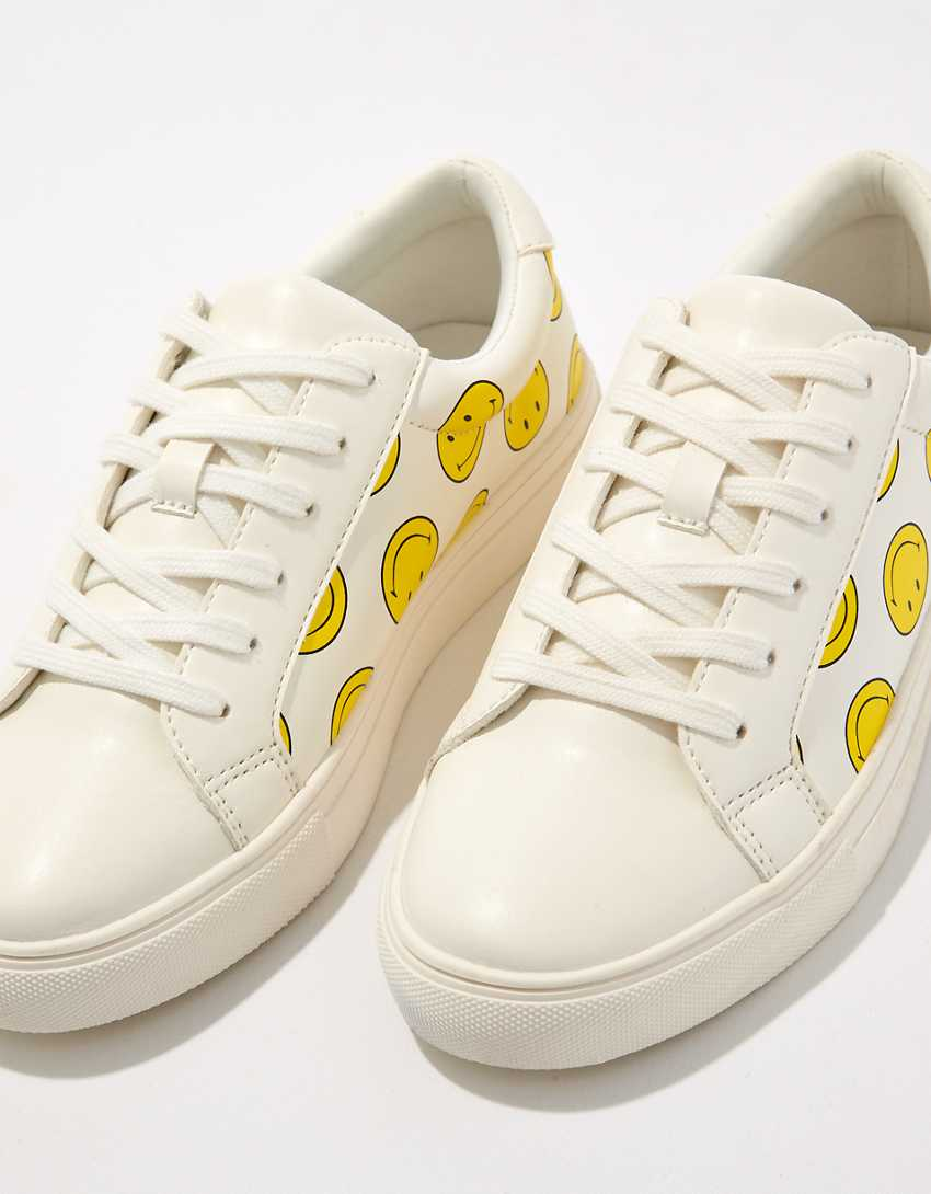 AE Smiley Lace-Up Sneaker