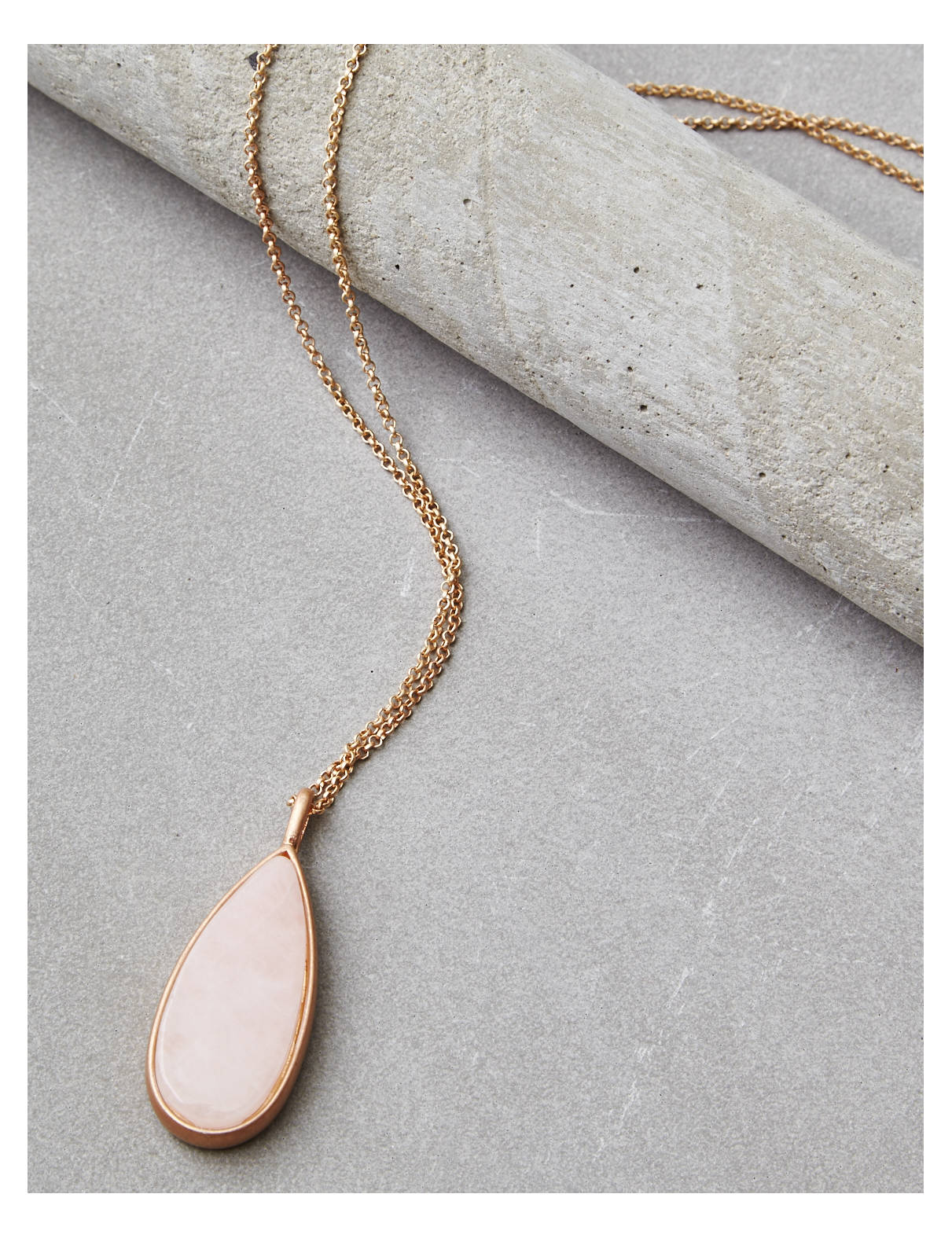 Display product reviews for AEO Good Luck Necklace