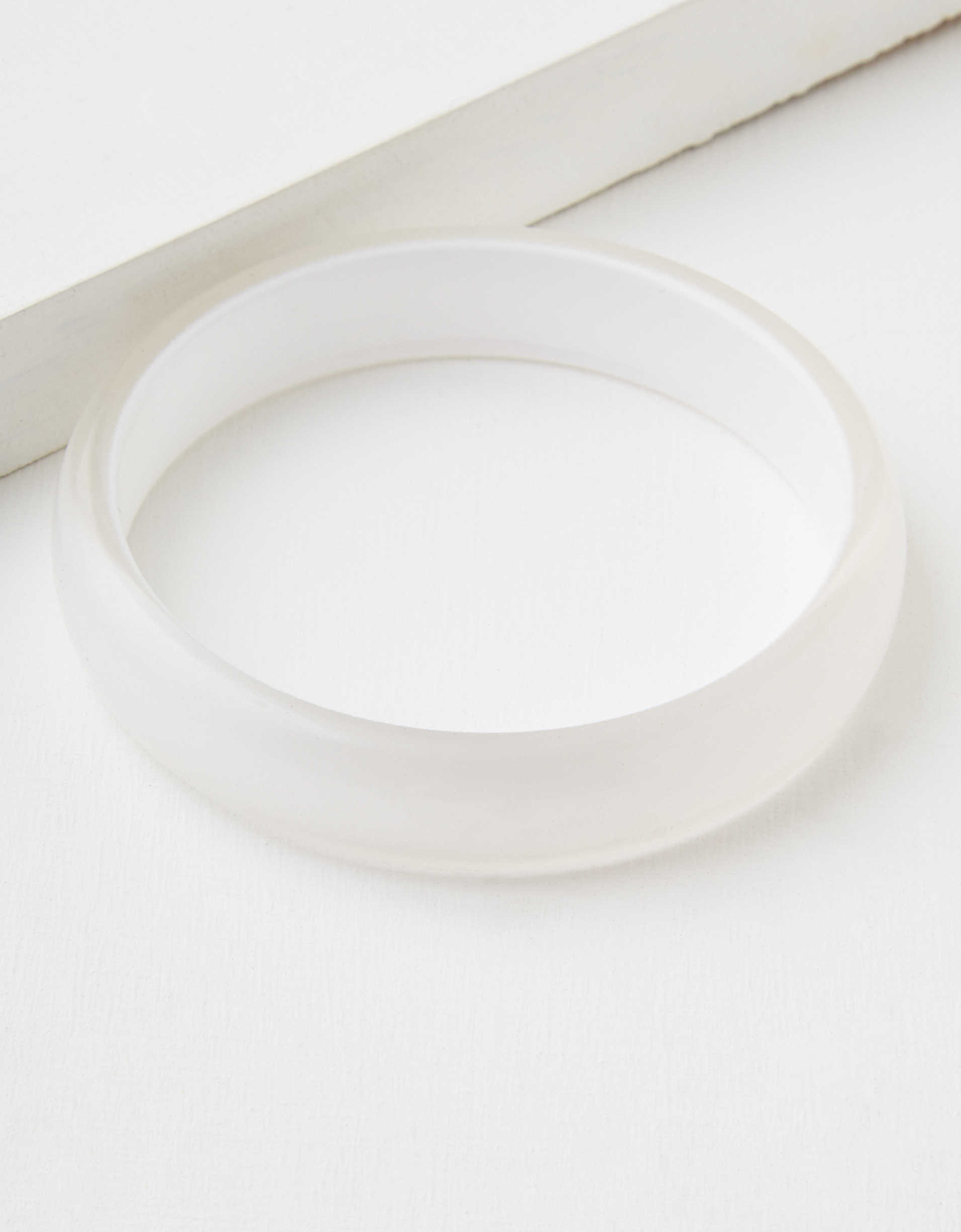 AEO Plastic Bangle