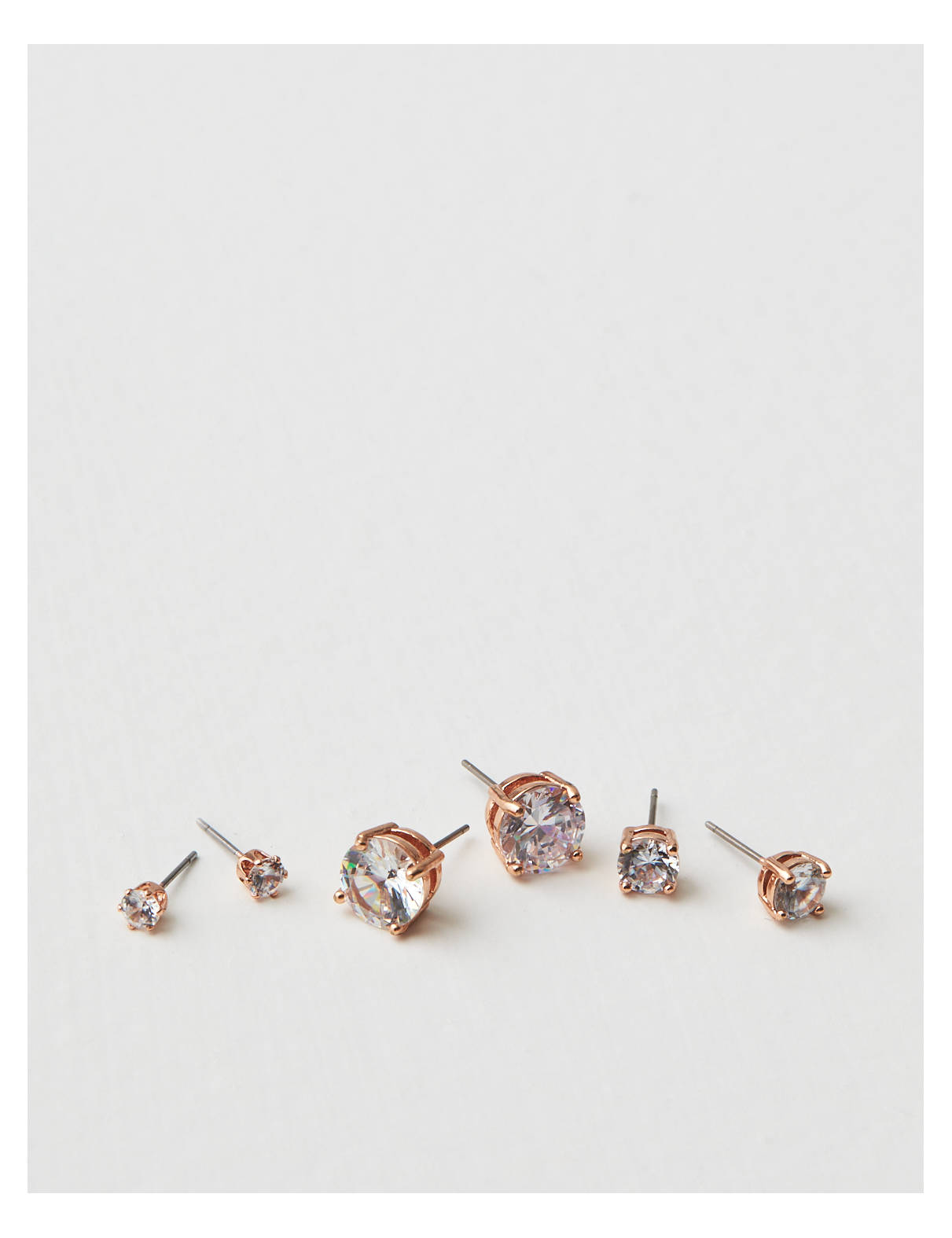 Display product reviews for AEO Stud Trio