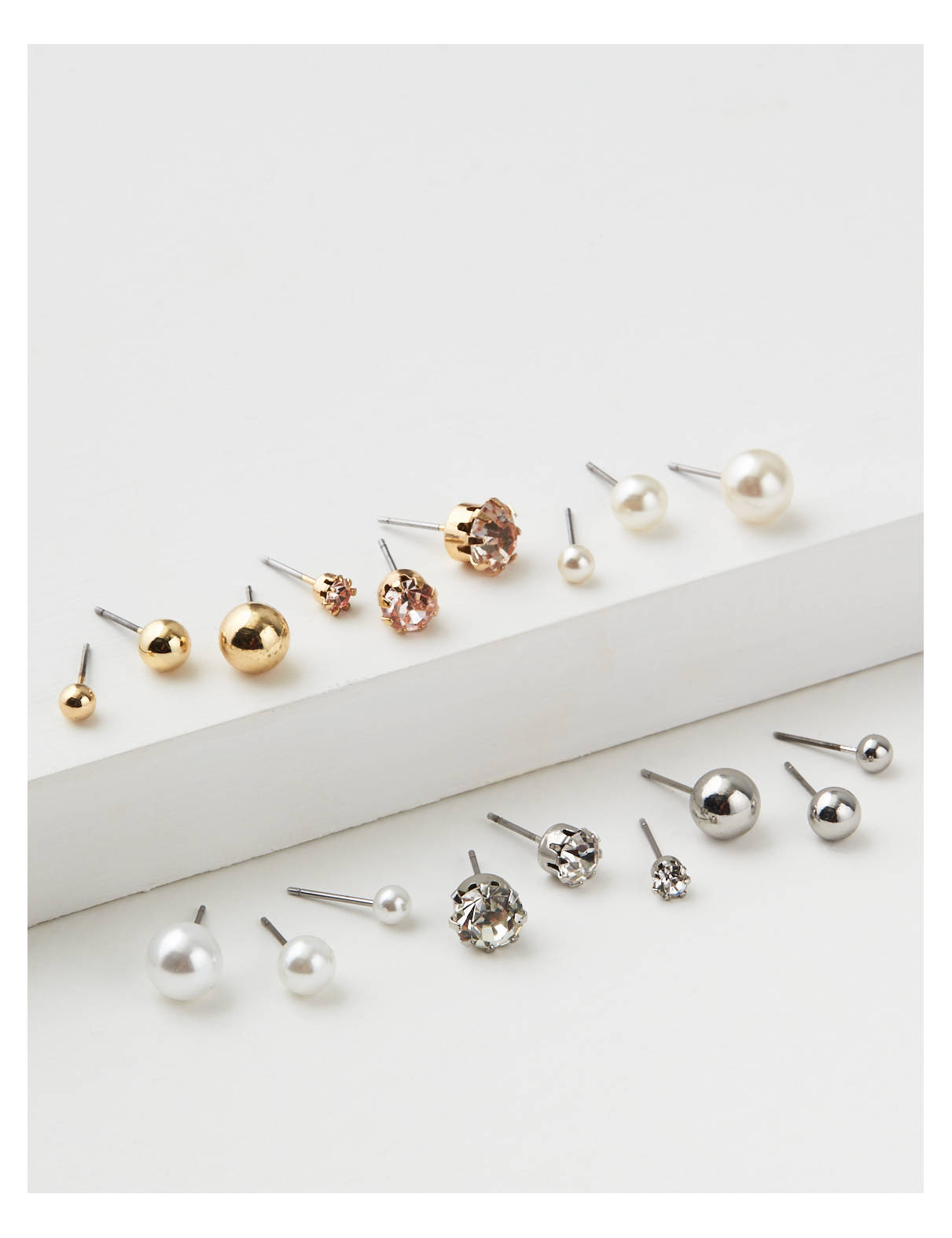 Display product reviews for AEO Crystal & Pearl Studs Earrings 18-Pack