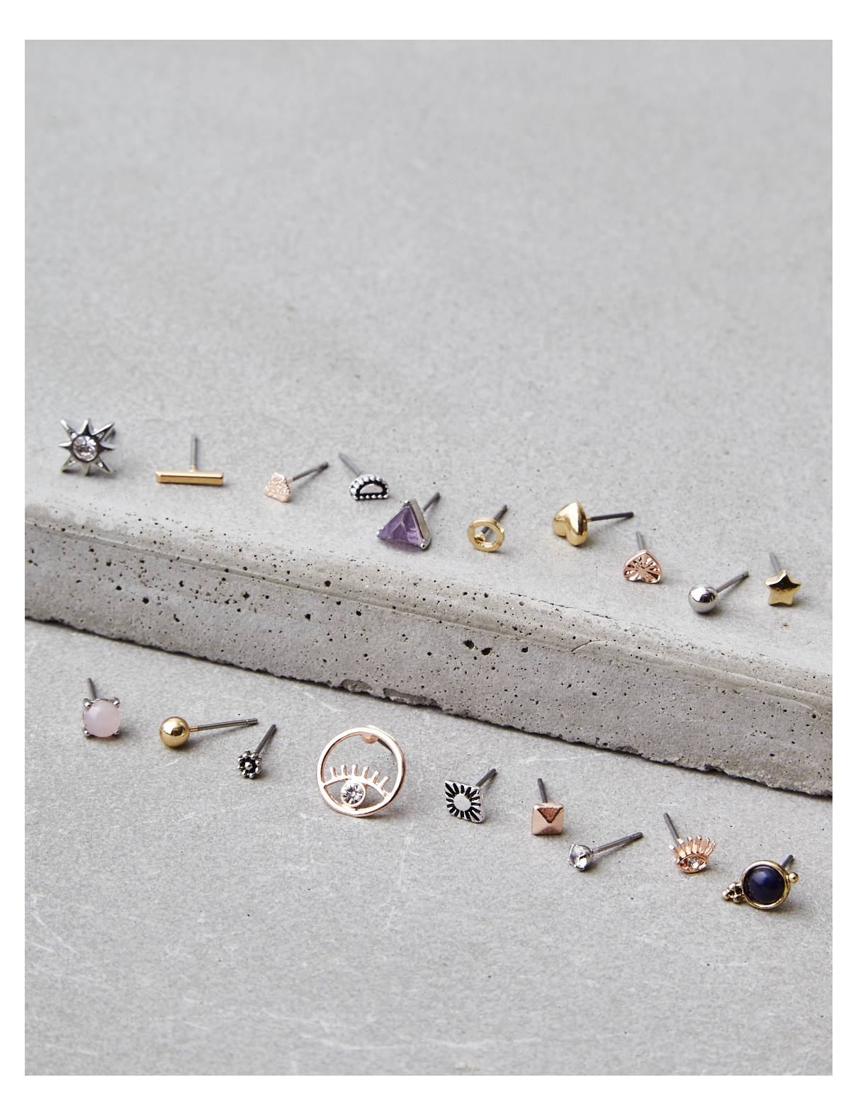 Display product reviews for AEO Multi Stud Earring 18-Pack