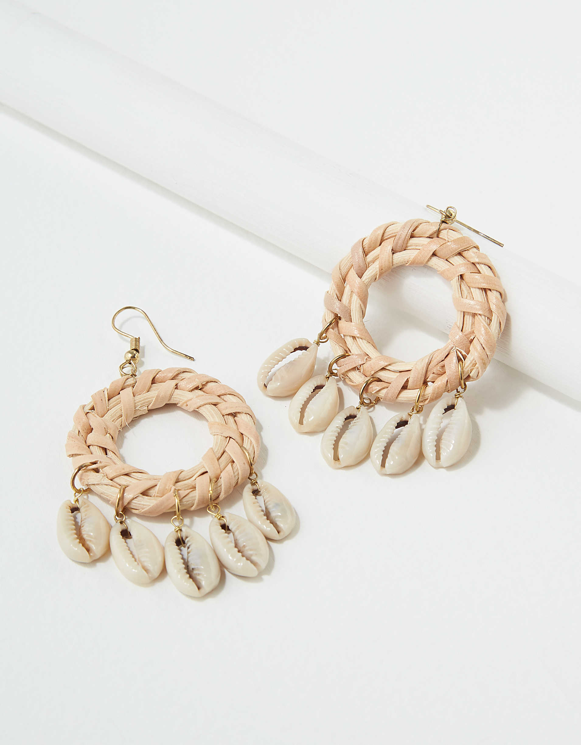 AEO Shell Dreamcatcher Earring