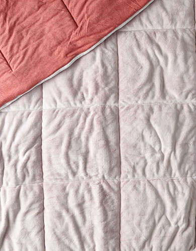 AEO APT Twin/Twin XL Plush Comforter - Free Returns