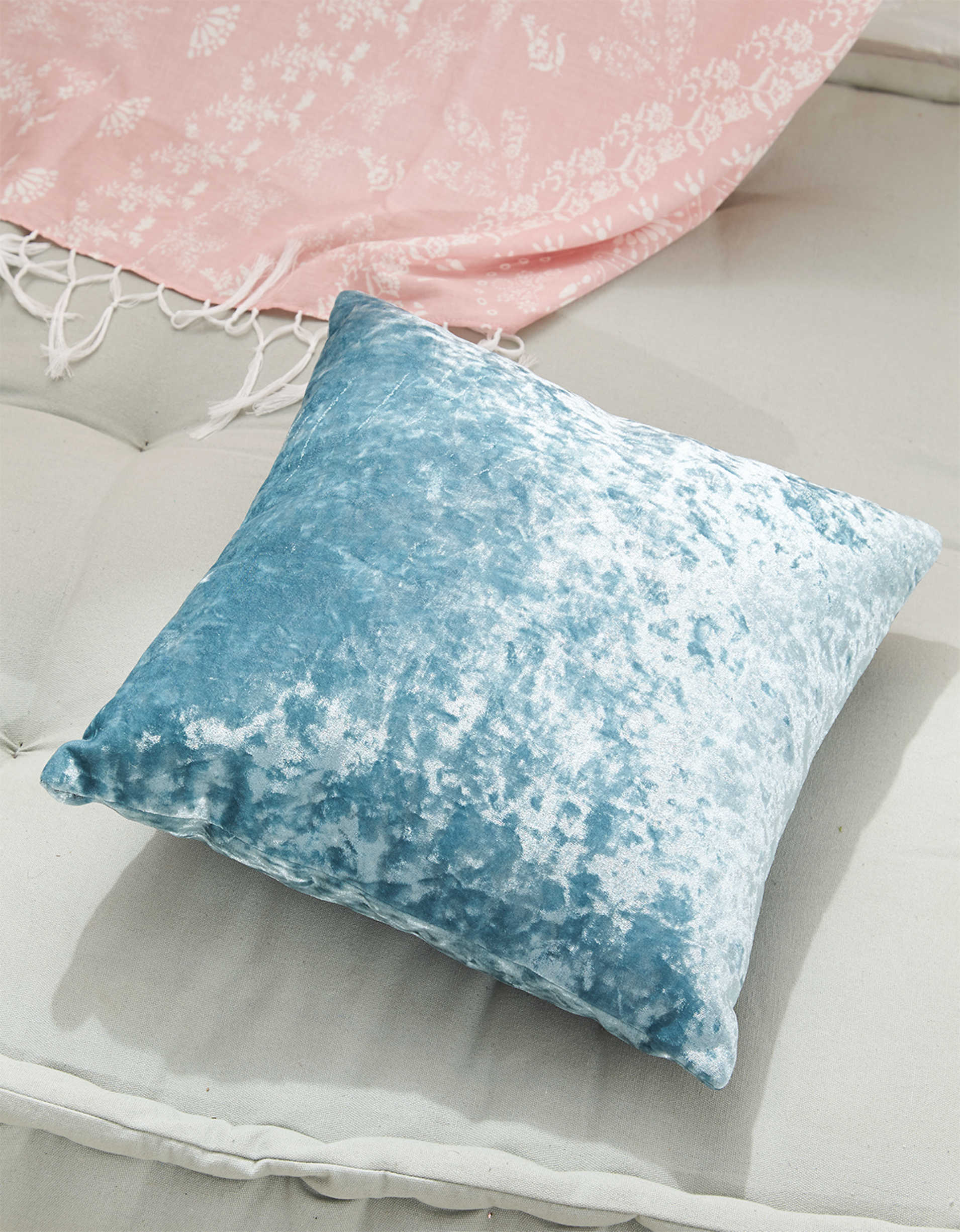 AEO APT Crushed Velvet Pillow