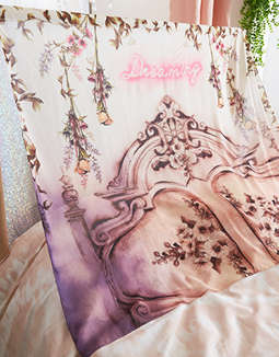 AEO APT Dreaming Tapestry