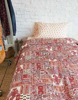 AEO APT Patchwork Twin XL Comforter Set