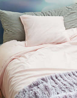 Dormify Twin XL Pink Ribbed Comforter & Sham Set