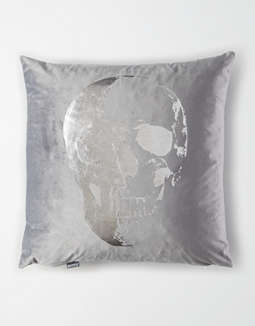Dormify Velvet Metallic Skull Pillow