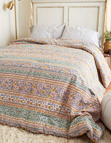 AEO APT Rosemary Floral Full/Queen Comforter Set