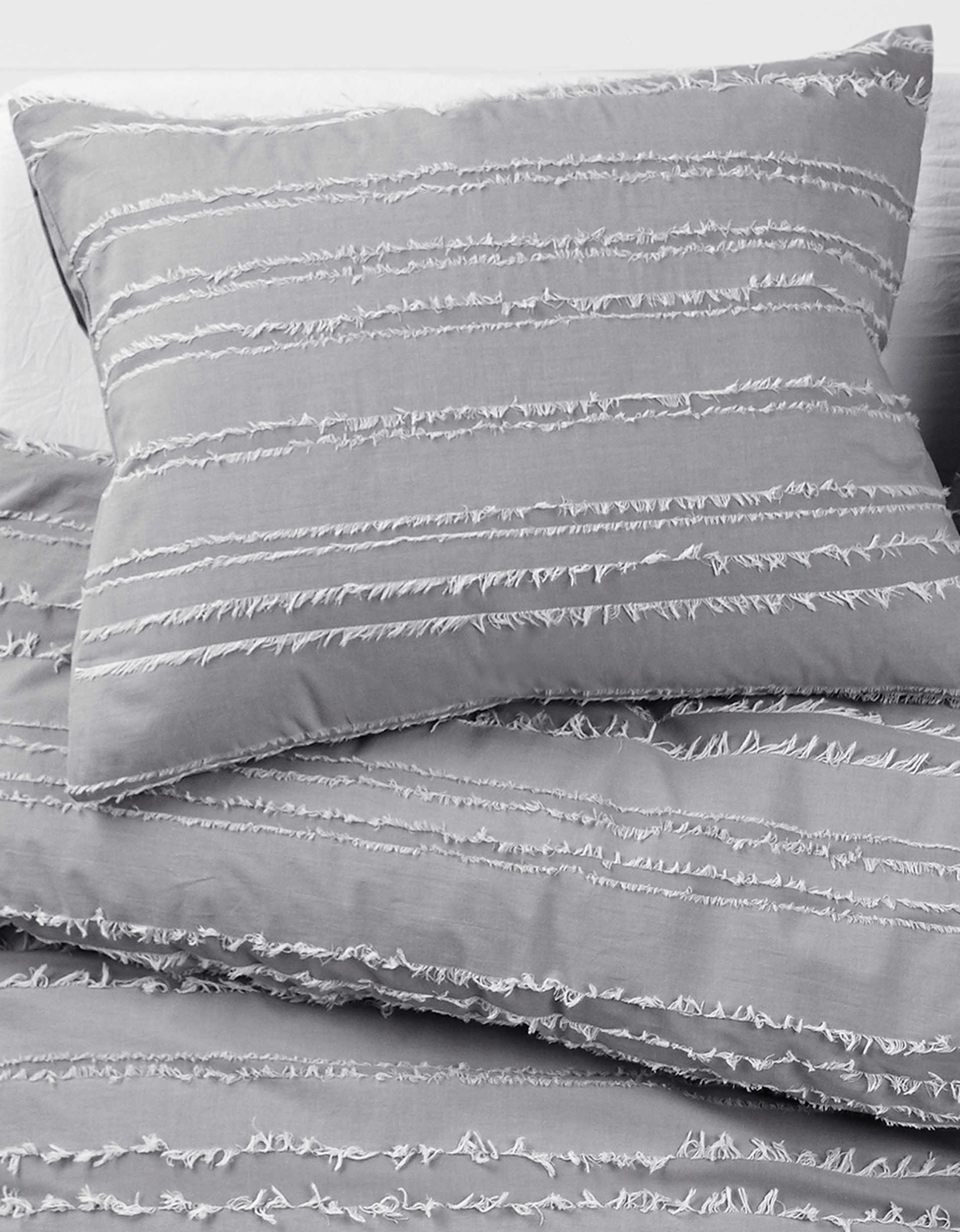 Dormify Striped Twin/Twin XL Duvet Cover And Sham Set