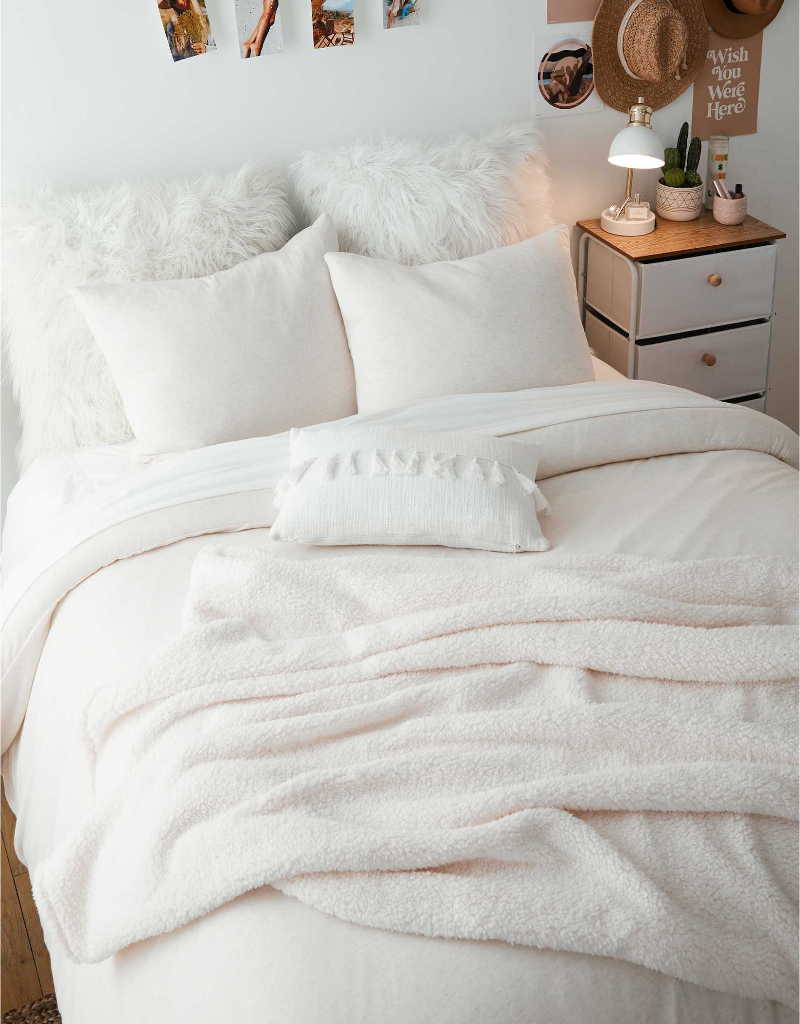 Dormify Fuzzy Fleece Throw Blanket