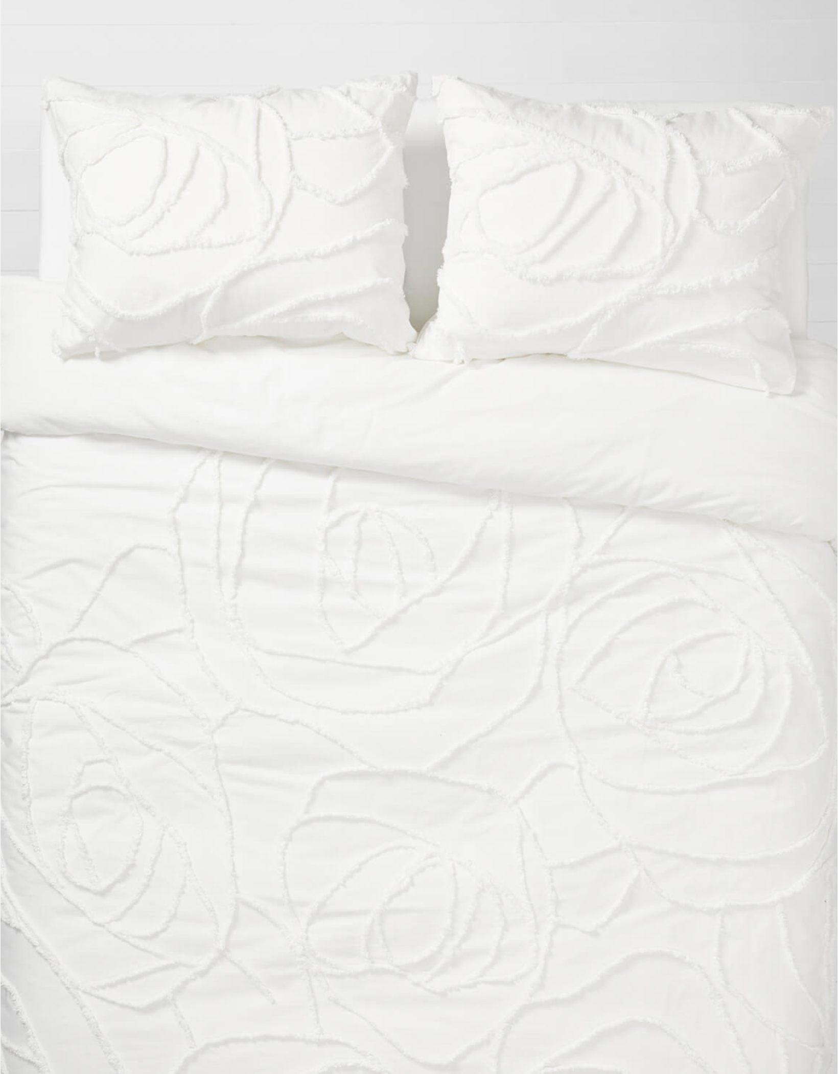 Dormify Boho Rose Queen Comforter & Sham Set