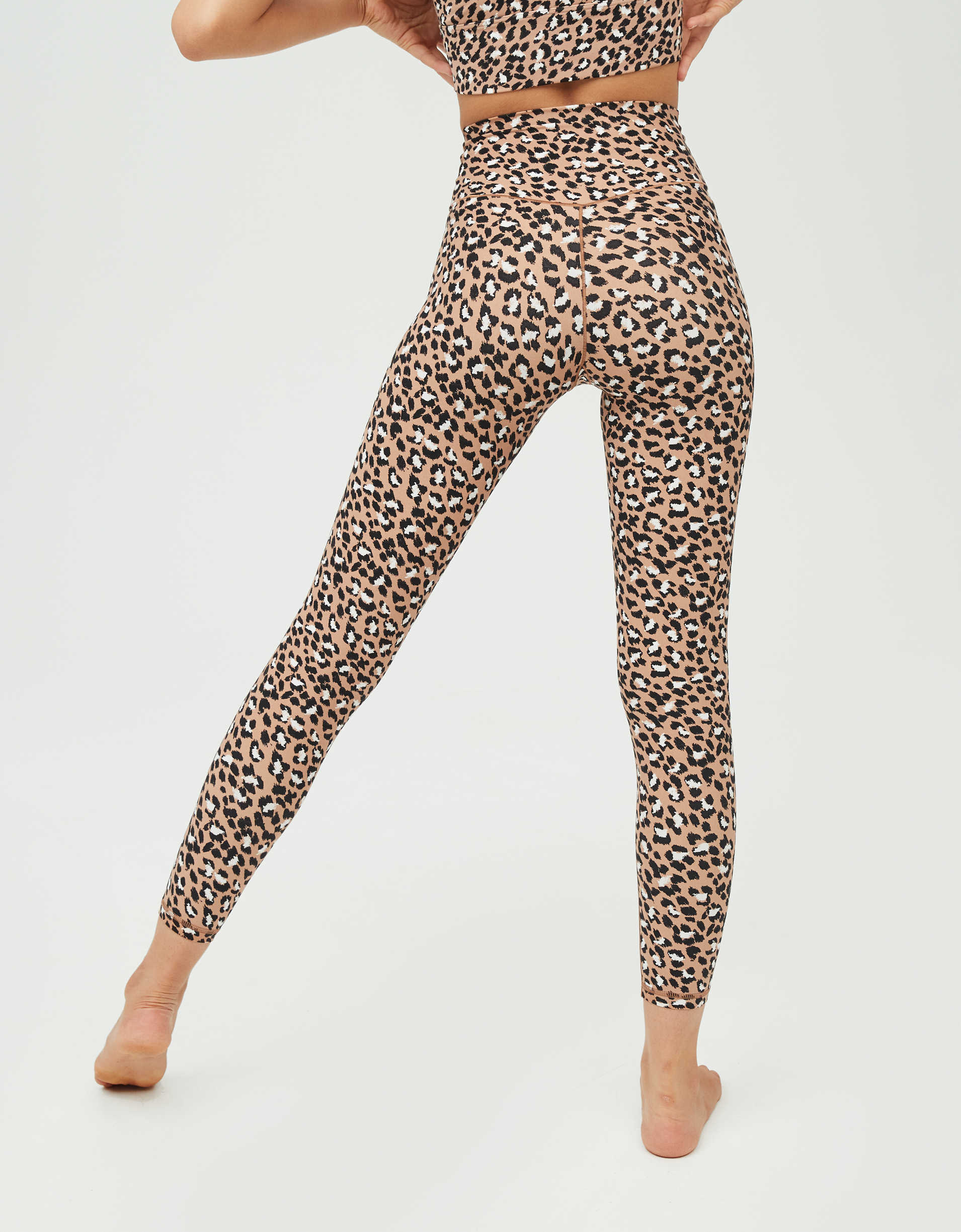 OFFLINE Real Me High Waisted Crossover Legging