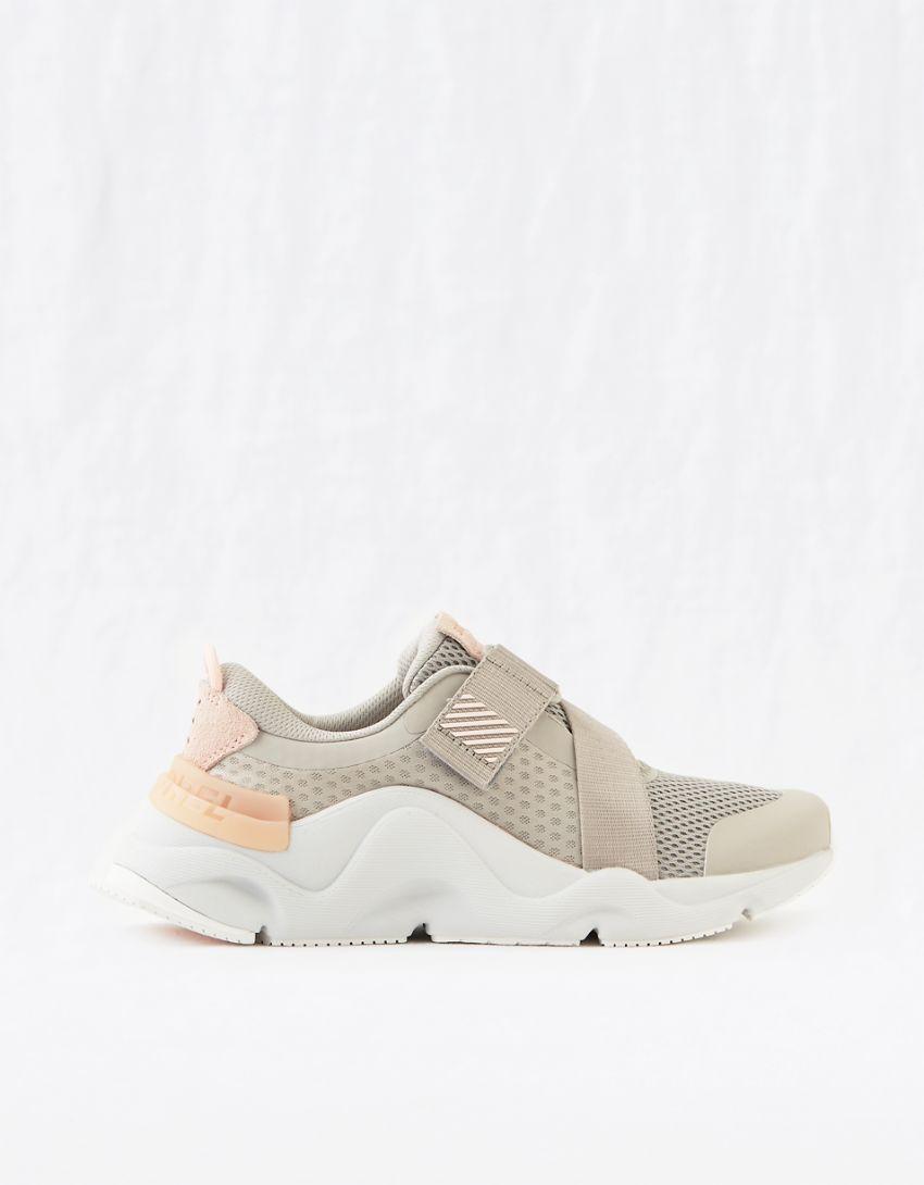 Sorel Kinetic RNEGD Strap Sneaker
