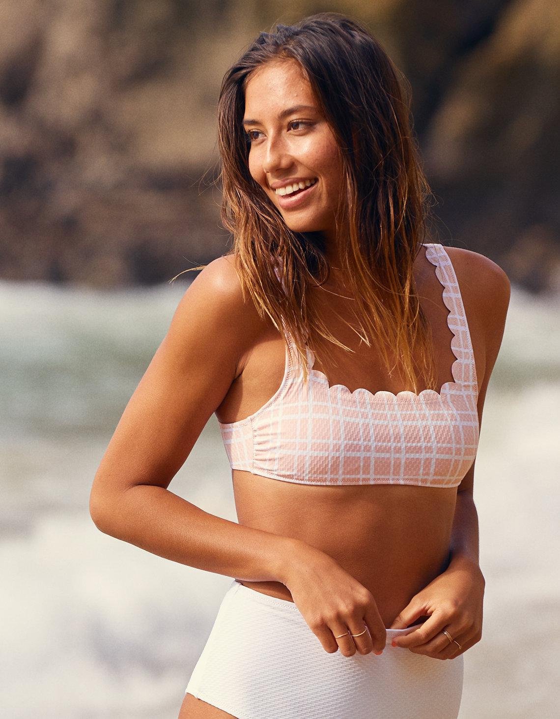a77128f4ab9f3 Handla från hela världen hos PricePi. aerie scoop strappy bikini top ...