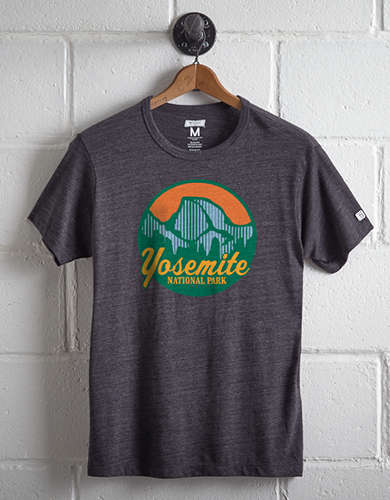 Tailgate Men's Yosemite National Park T-Shirt - Free returns