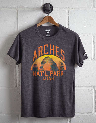 Tailgate Men's Arches National Park T-Shirt - Free Returns