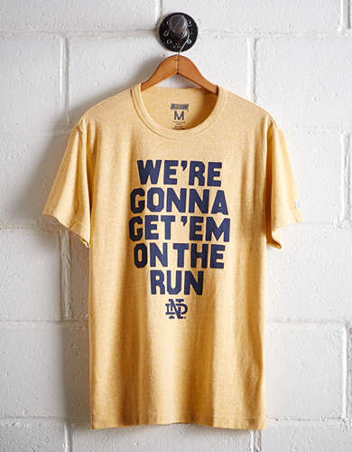Tailgate Men's Notre Dame On The Run T-Shirt - Free Returns